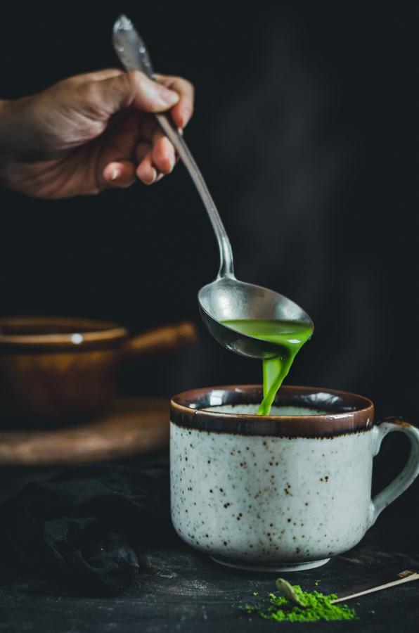 gőzölgő M matcha fehércsokis forró csokoládé