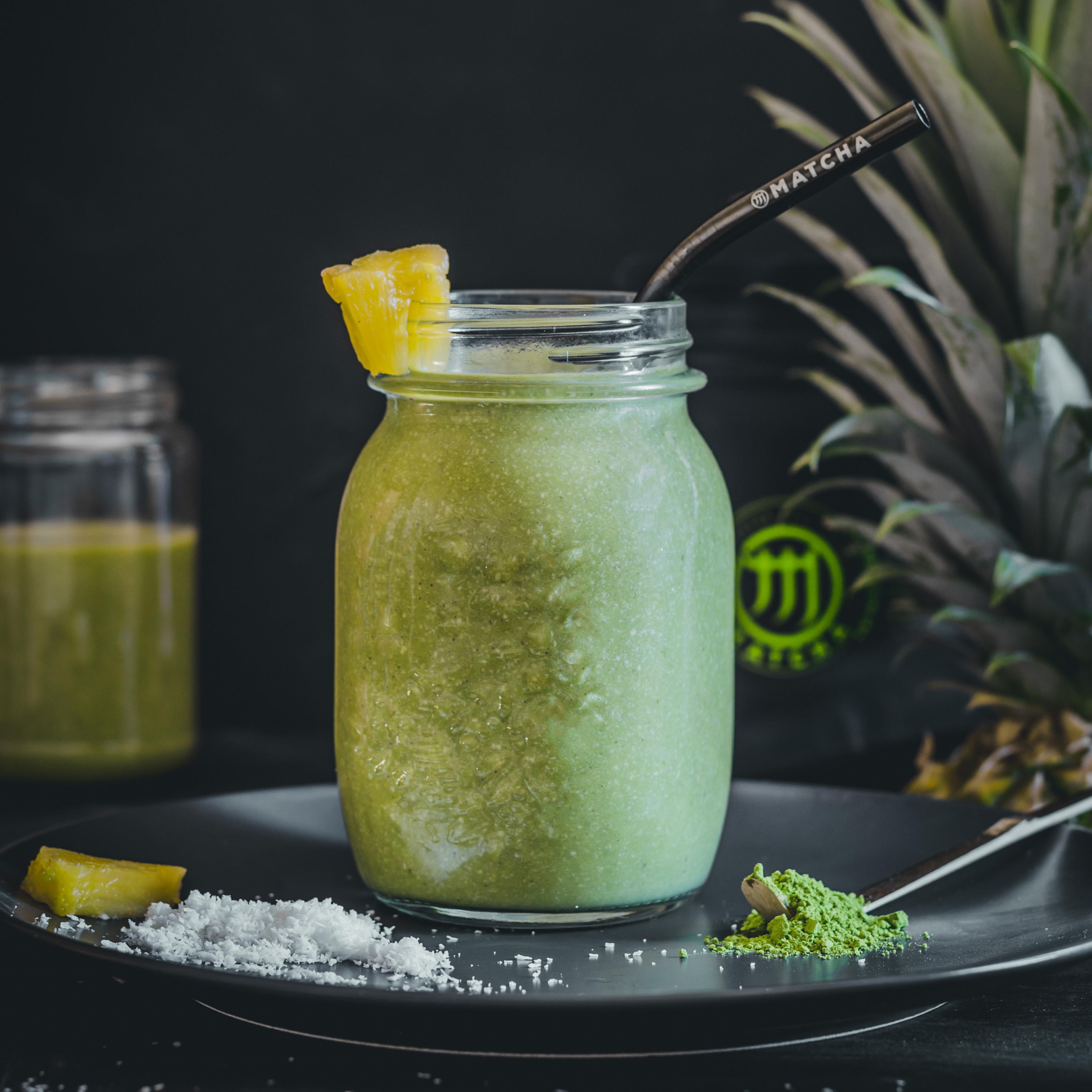 Kókuszos-ananászos matcha smoothie