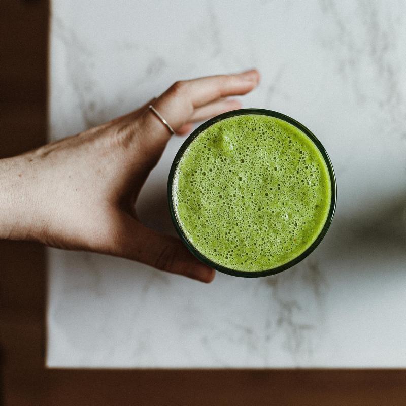 Zöld és isteni finom - itt a diétás shake matcha teából